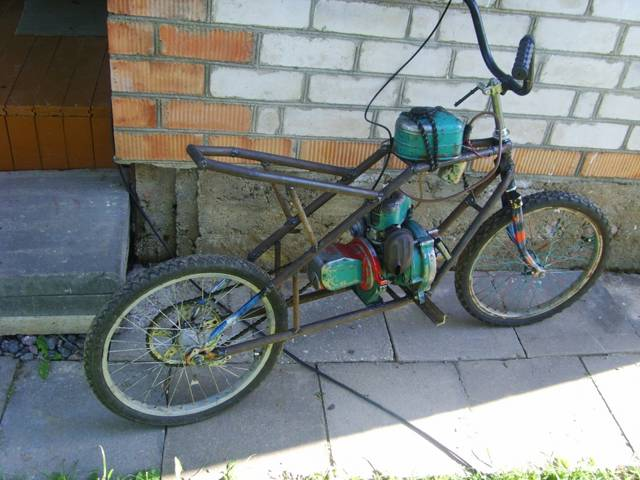 Как сделать из велосипеда мопед своими руками 42